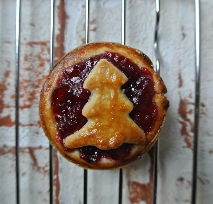 mini cranberry pies